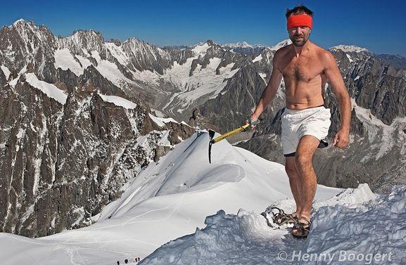 Вим Хоф - восхождение на Эверест в шортах и без кислорода