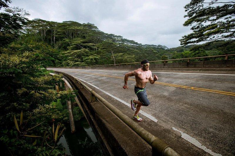 сверх-марафонец Джеймс Лоуренс