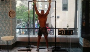 4025 подтягиваний за 24 часа - рекорд мира от Дэвида Гаггинса
