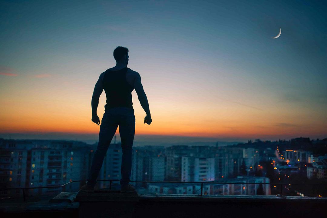 9 Стоических Практик, Помогающих Преуспеть в Безумии Современности